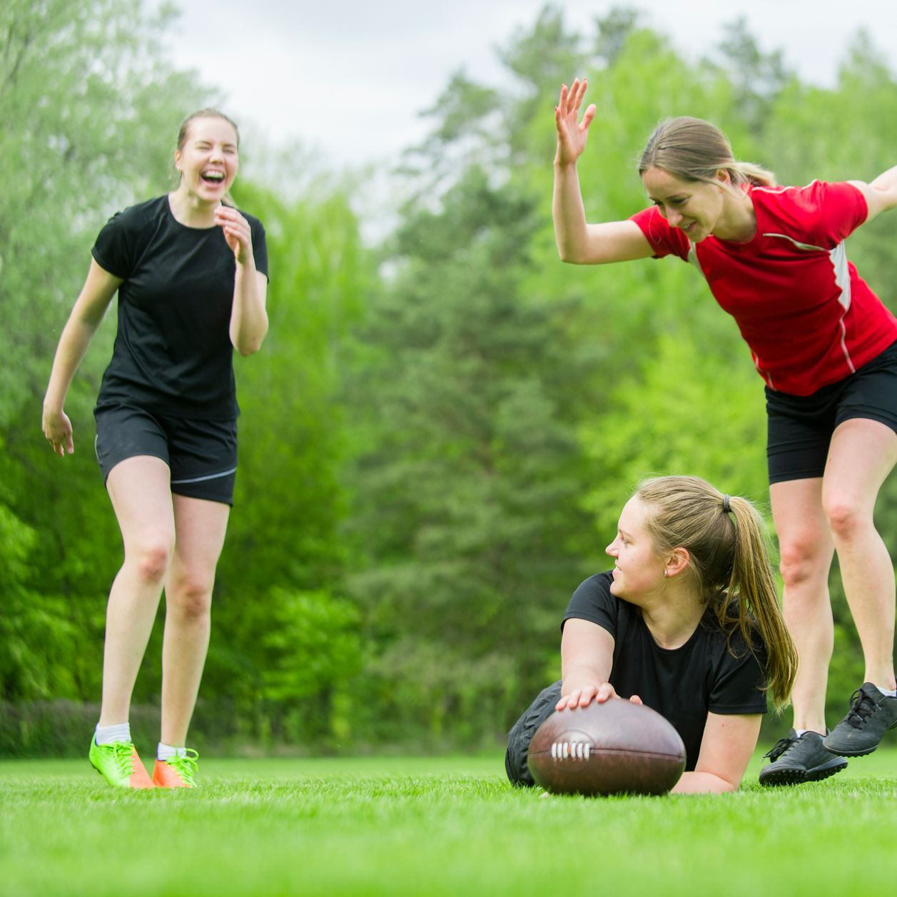"""A 16 ans, cette jeune fille explique ce qui """"l'éclate"""" dans le rugby"""