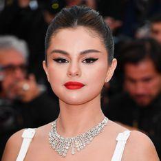 Bye bye le carré ! Selena Gomez dévoile sa longue chevelure