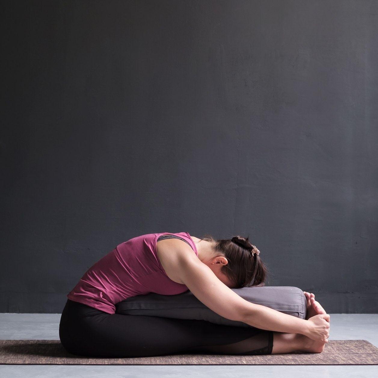 Yin yoga : pourquoi ce yoga doux correspond si bien à notre besoin de ralentir ?