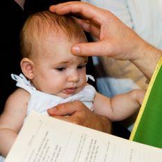 Bientôt le retrait des mentions de «père» et de «mère» dans les actes de baptême?