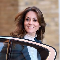 Kate Middleton, ultra chic dans une mini-jupe en tweed