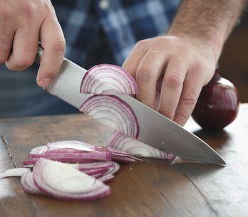 Comment couper des oignons sans pleurer ?