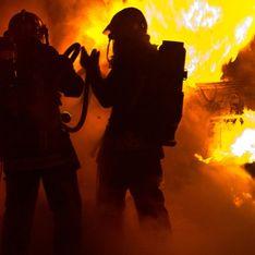 Des adolescents sauvent un couple d'octogénaires des flammes avant l'arrivée des secours