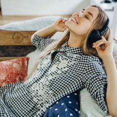 Von witzig bis spannend: Diese Podcasts sorgen jetzt für Ablenkung