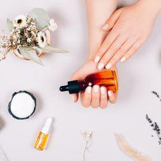 Así puedes preparar tu propio desmaquillante en casa con aceites naturales