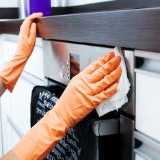 Come pulire il forno: gli infallibili rimedi naturali per averlo sempre splendente