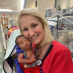 Cette infirmière s'est occupée de ce bébé prématuré, 30 ans après avoir pris soin de son père dans le même hôpital
