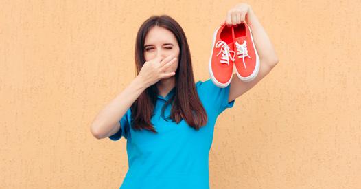 Schuhe stinken: Die besten Tipps und Hausmittel gegen schlechte Gerüche