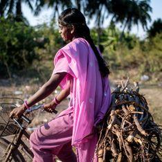 En Inde, cette jeune fille inspirante transporte son père blessé à vélo sur 1000 km