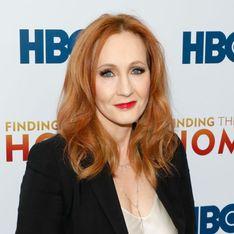 Après un tweet sur les menstruations, J.K. Rowling est accusée de transphobie