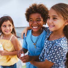 Wie du mit deinen Kindern über Rassismus sprichst
