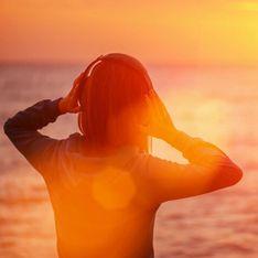Le 8 canzoni perfette da ascoltare al tramonto