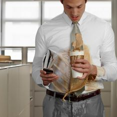 Macchie di caffè: come toglierle senza lasciare aloni