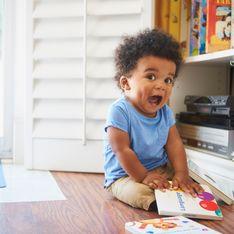 Motricité : A quel âge bébé s'assoit et tient-il assis ?
