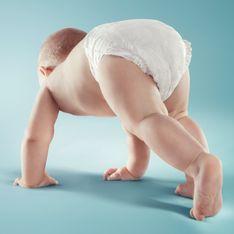 Cacca verde nel neonato: quali sono le cause di questo colore delle feci e quando preoccuparsi
