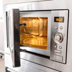 Mikrowelle reinigen: Die 3 besten Hausmittel und einfache Tricks