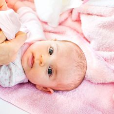 Come vestire un neonato: le tecniche giuste per non sbagliare