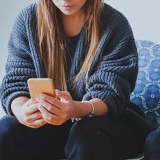 Phubbing: cos'è e quali sono i rischi di questa dipendenza da smartphone