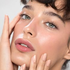 Diese Augencreme von Lancôme soll die Haut sichtbar straffen