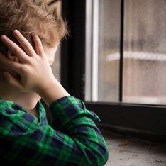 En France, un enfant violé par un adulte doit prouver son non-consentement : les associations vent debout contre la loi Schiappa