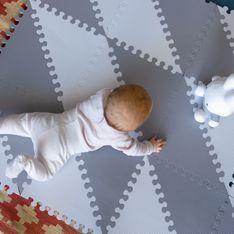 Développement moteur : à quel âge bébé rampe-t-il ?