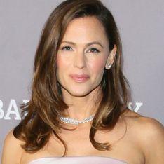 """""""Je ressemblerais quand même à une femme qui a eu trois enfants"""" : Jennifer Garner se confie sur son ventre post-partum"""
