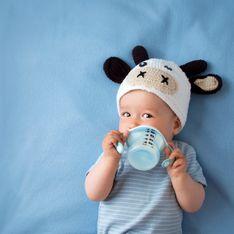 Da quando è possibile dare il latte vaccino a un neonato? Mai sotto i 12 mesi.