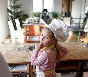 5 accessoires indispensables pour cuisiner avec les enfants