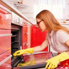 Pulire forno incrostatissimo: quale può essere una strategia efficace per pulirlo senza fatica?
