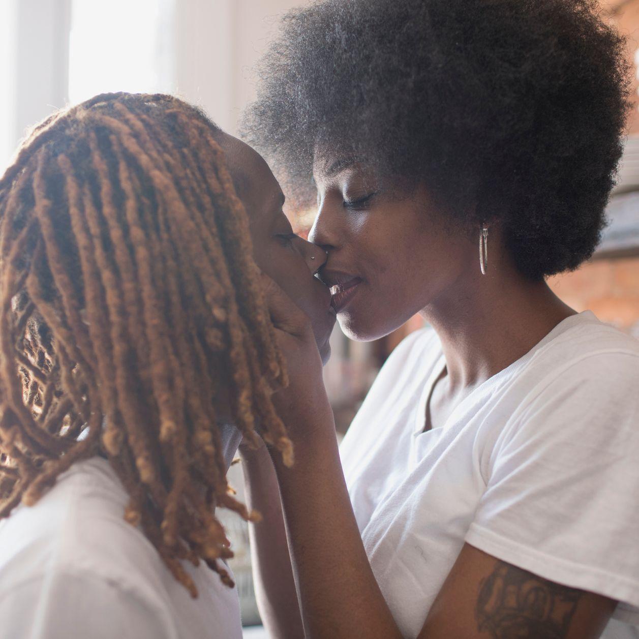 Covid-19 : est-ce que le sexe oral est plus safe ?