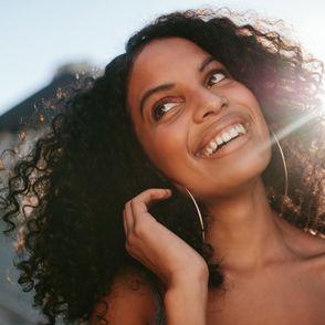 Notre Top 5 des meilleures protections solaires pour les cheveux