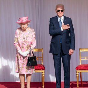 Fauxpas bei der Queen: Joe Biden tritt mehrfach ins Fettnäpfchen