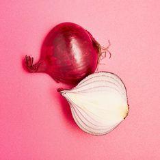 Zwiebeln schälen ohne Weinen: Dieser Trick ist einfach genial!