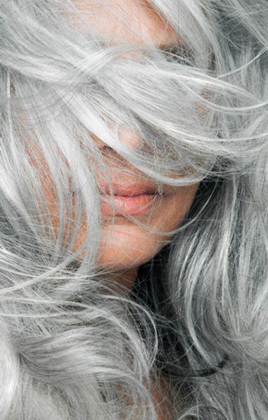Capelli bianchi: tutta colpa dell'assenza di melanina