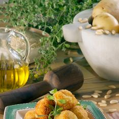 Gefüllter Mozzarella: Himmlisches Rezept mit Tomaten & Basilikum
