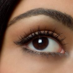 On vous promet des sourcils parfaits en moins d'une minute avec cette astuce !