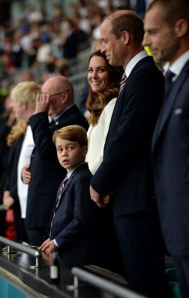 Une série avec le prince George en «héros» tourne en ridicule la famille royale d'Angleterre
