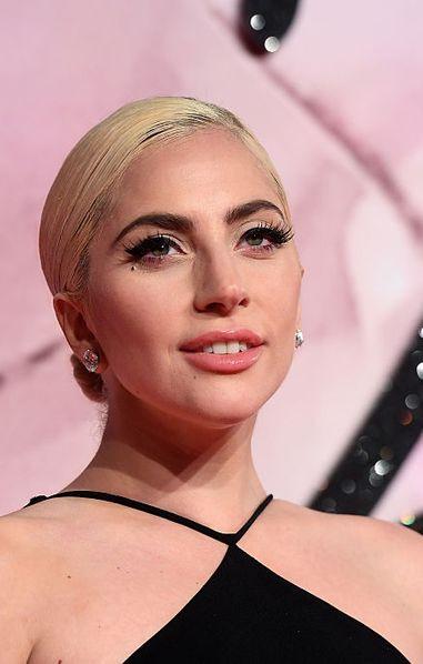 House of Gucci : Lady Gaga, méconnaissable sur l'affiche du film