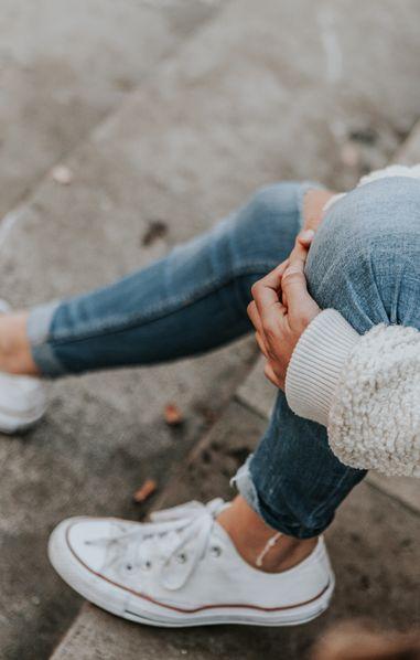 Une ado décède sous les coups de ses proches, parce qu'elle porte des jeans