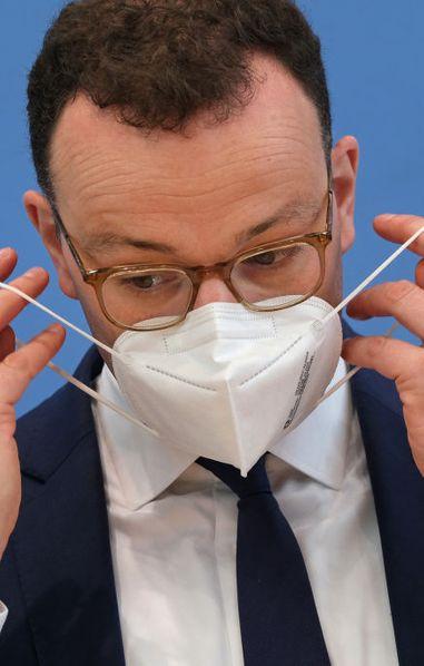 Coronavirus-Update: Bleibt die Maskenpflicht bis 2022?