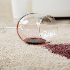 Enlever une tache de vin rouge : les vraies méthodes qui marchent
