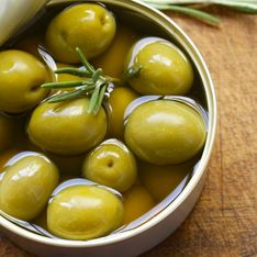 Olives en boîte : nos idées gourmandes pour un apéritif plus qu'abordable