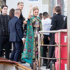 Jennifer Lopez fait sensation sur Instagram avec sa longue cape fleurie