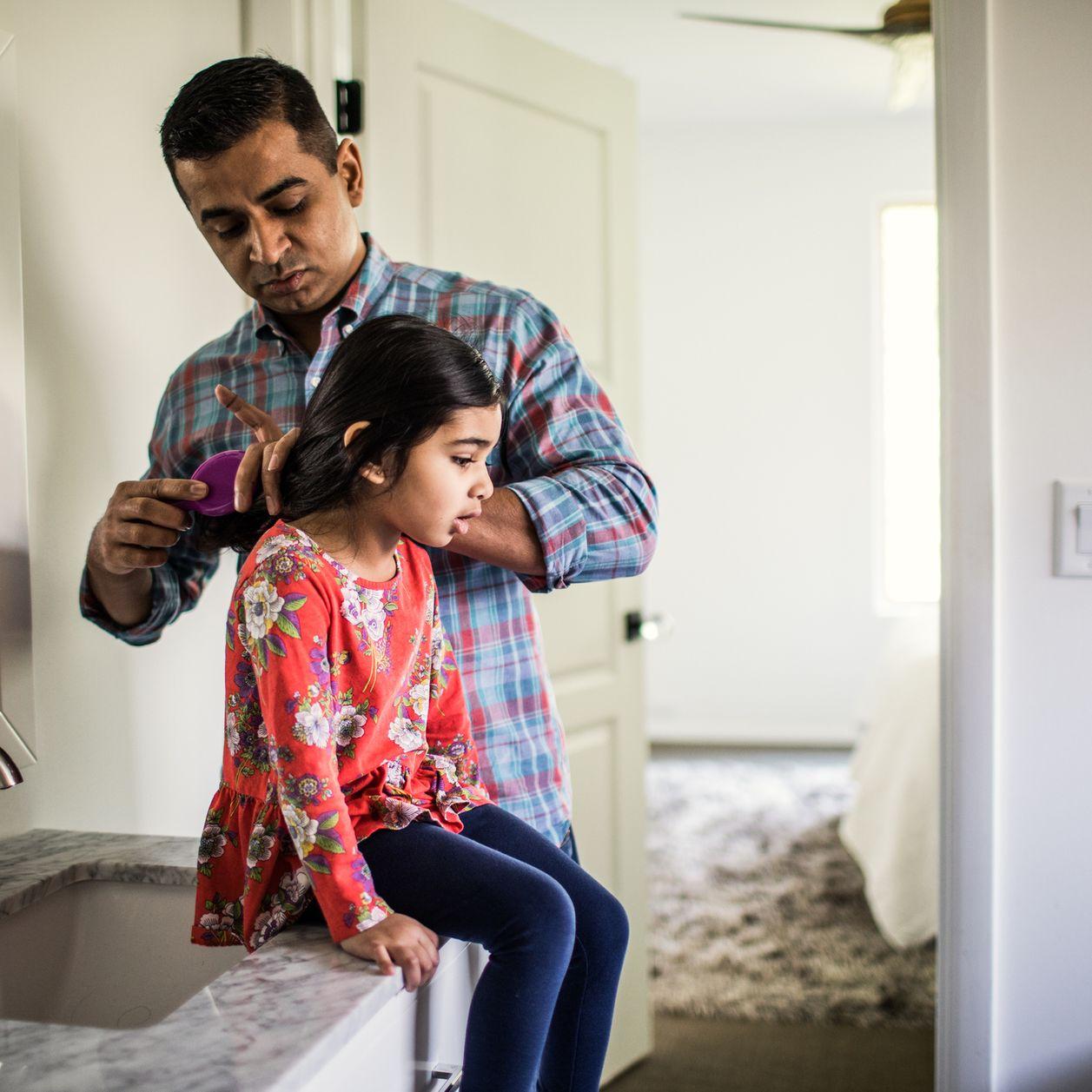 7 astuces pour démêler les cheveux de votre enfant