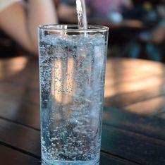 Pourquoi il ne faut pas garder de verre d'eau sur la table de nuit ?