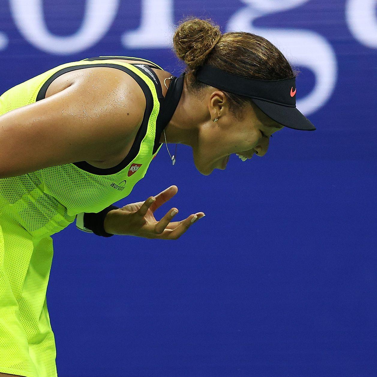 """""""Je ne me sens pas heureuse"""" : Naomi Osaka en larmes après son élimination"""