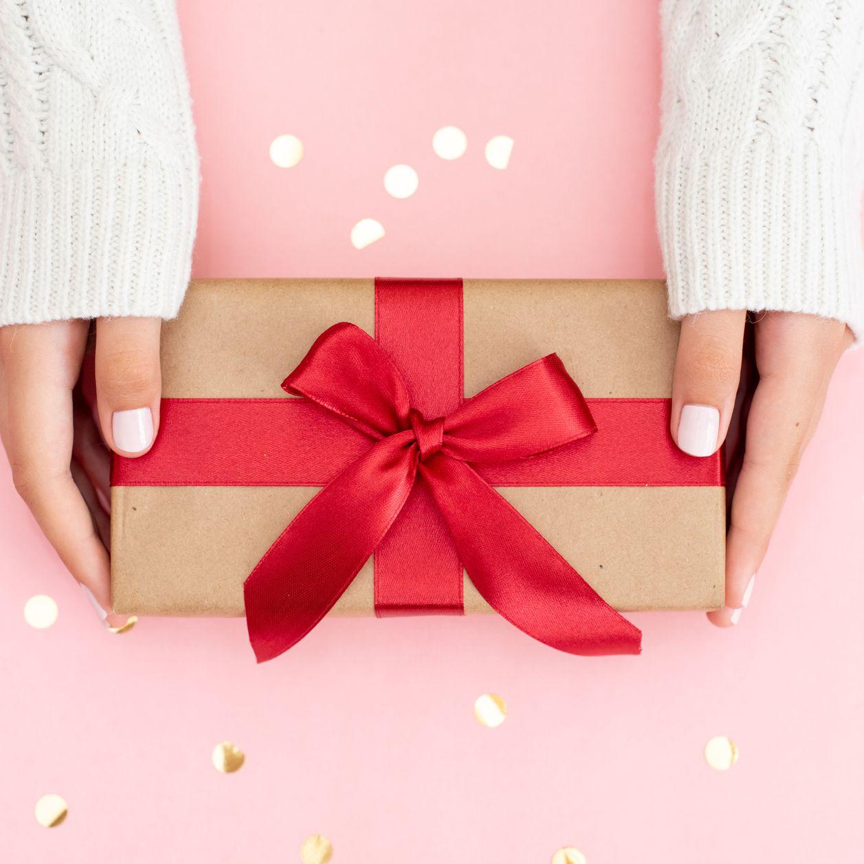 Cadeau femme 25 ans : toutes nos idées pour lui faire plaisir