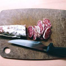 Apéro : cette astuce permet de couper votre saucisson en moins de 10 secondes top chrono