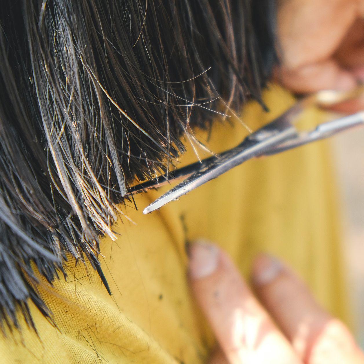 Sa coupe de cheveux est ratée : elle touche 230000euros de dommages et intérêts