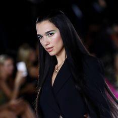 Dua Lipa défile pour la première fois et embrase la Fashion Week de Milan